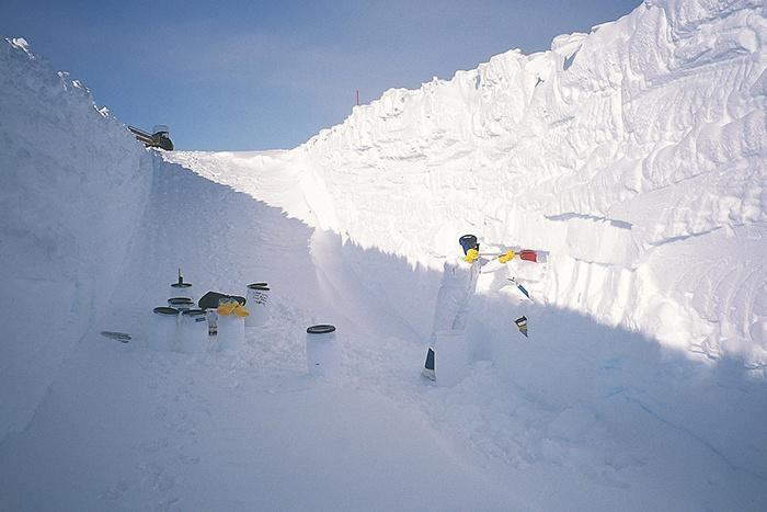Collecting micrometeorites in the central Antarctic regions, at Dome C in 2002. Snow sampling