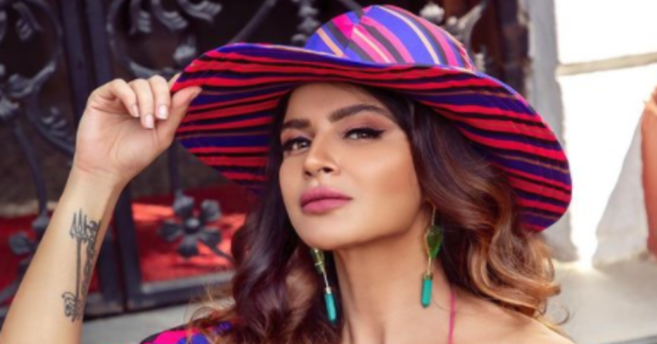 Aashka Goradia Announces Her Early Retirement From Acting