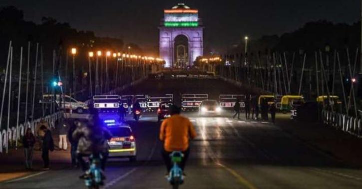full curfew in delhi