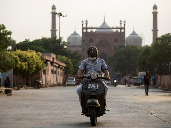 delhi weekend lockdown curfew