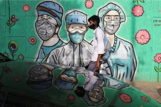 Among the worst-hit states, Maharashtra is struggling as surge in cases leaves the hospitals overburdened. Healthcare workers are becoming exhausted and demoralized as they struggle to keep up with soaring case load.