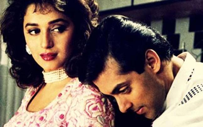 Madhuri Dixit opposite Salman Khan in Hum Aapke Hai Kaun / Twitter