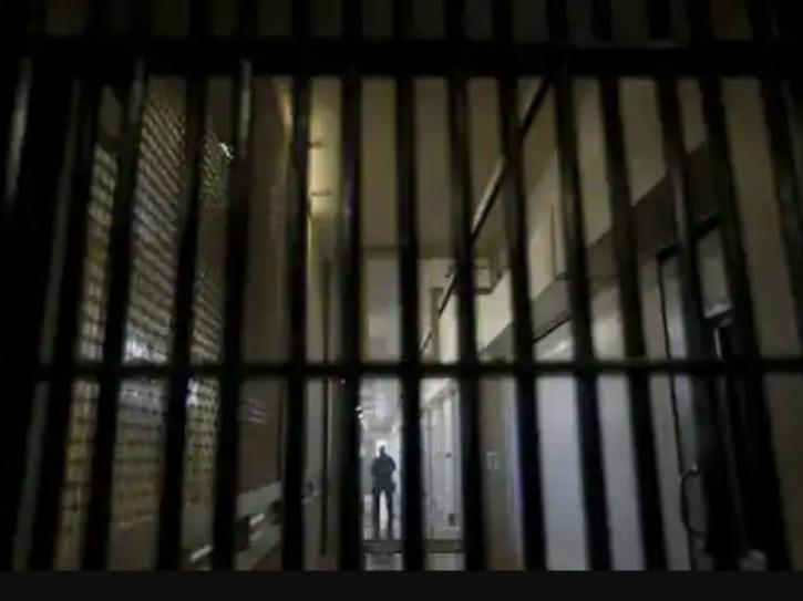 jail bernard madoff