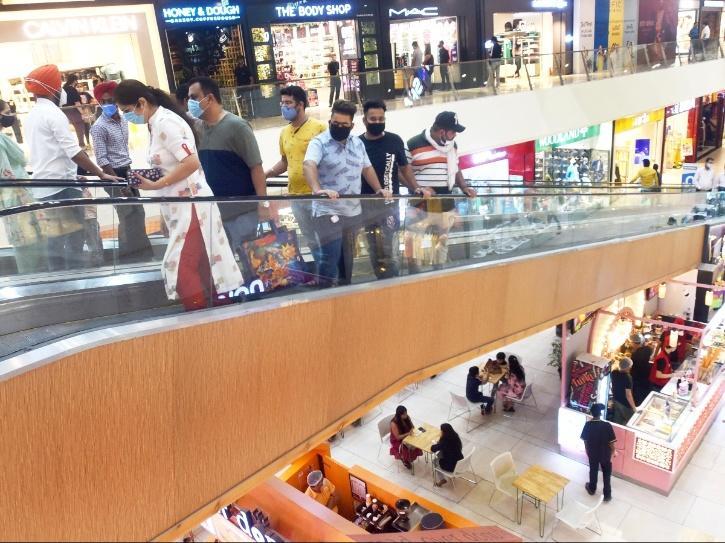 malls delhi not allowed curfew