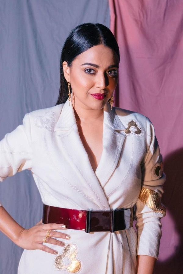 A complaint has been filed against Swara Bhasker with the Kolkata Police cyber cell. Swara Bhasker has been accused of