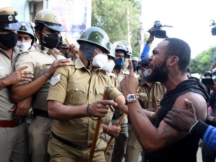 Protest Malu death