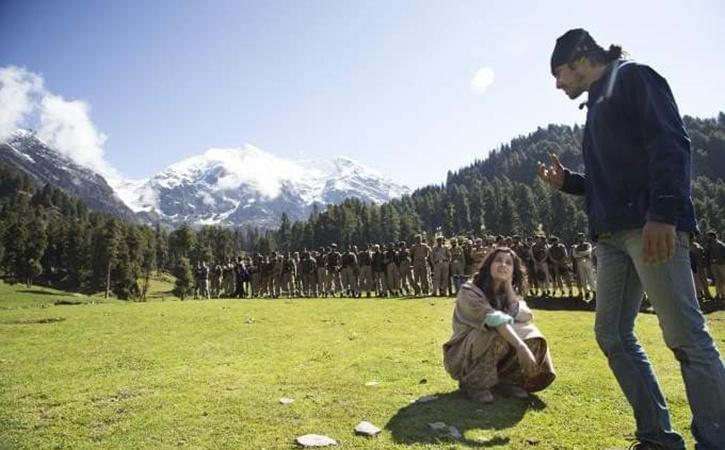 Bollywood Rekindles Its Relation With Kashmir Again