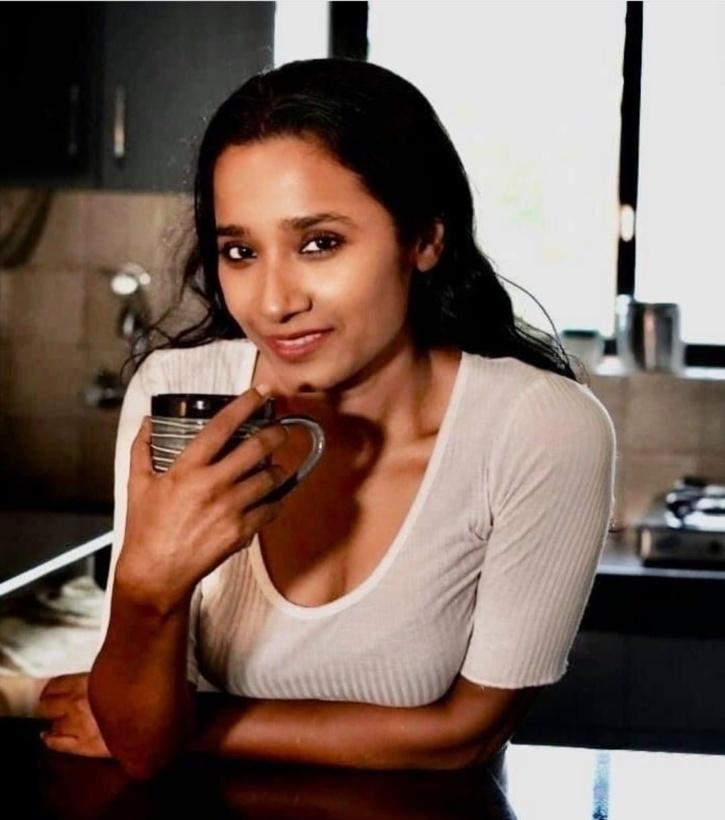 Tannishtha Chatterjee Talks About Her Initial Day In The Industry, I Was Asked To V Drugs & Lighten My Skin To Fit In