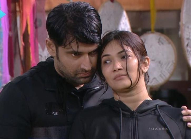 Evicted contestants Ridhima Pandit and Karan Nath spoke about Karan Johar as a host