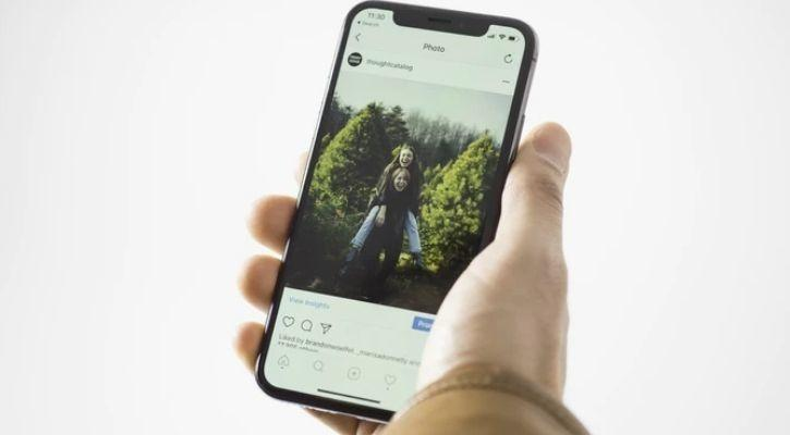 Instagram to say goodbye to swipe up with stickers