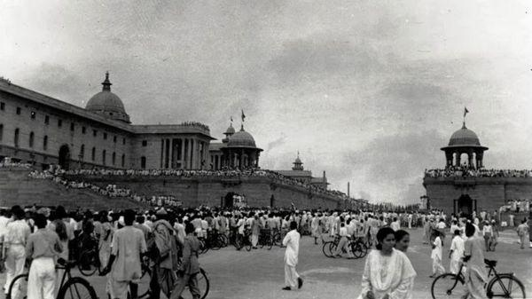Rare pictures from first Independence Day celebration