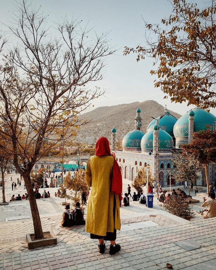 Capturing the exact emotions filled with helplessness, Afghan filmmaker and photographer Roya Heydari penned down a post on fleeing her motherland.