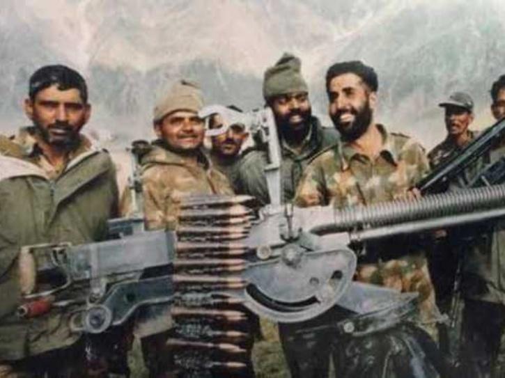 A still of real life Captain Vikram Batra on Kargil mission.
