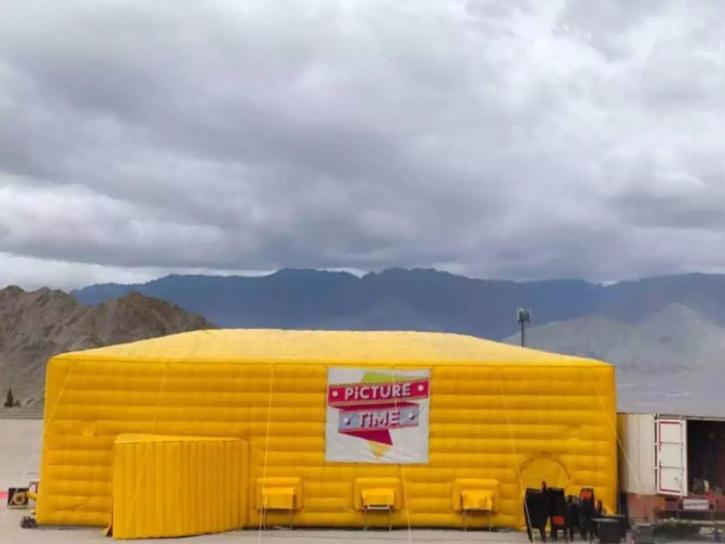 Ladakh got its first roving cinema on Sunday with a private company installing an inflatable theatre in the union territory.