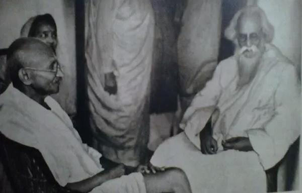 Rare Photo of Indian Freedom Fighter Rabindranath Tagore | funalive.com