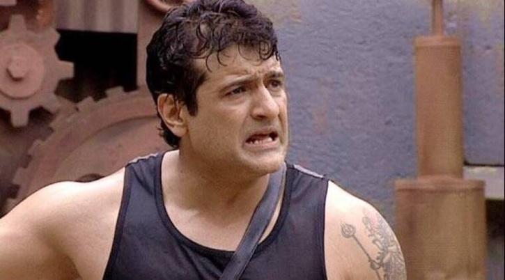 NCB Raids Bigg Boss Former Contestant Armaan Kohli's Residence In Drug Case.