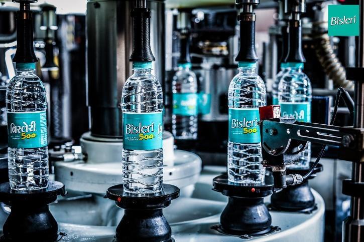 bisleri water bottel