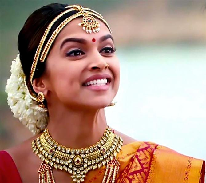 Deepika Padukone Celebrates 8 Years Of Chennai Express In The Most Unique Style