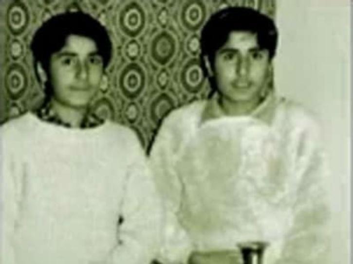 Captain Vikram Batra with his twin brother Vishal Batra.