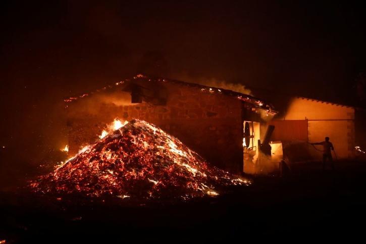 greece-fire-610bd28c1a4eb