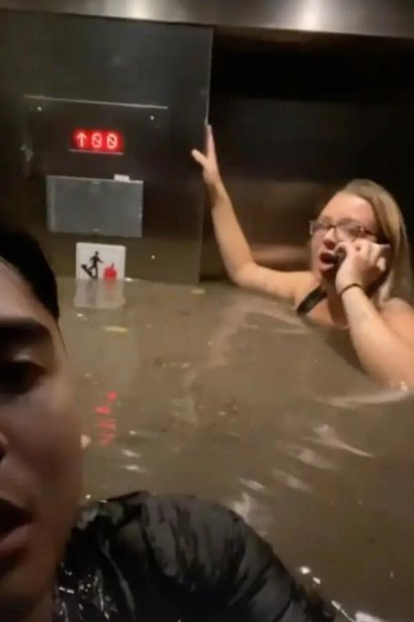 people trapped in elevator