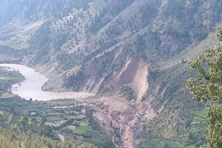 Landlide block flow of River Chenab.
