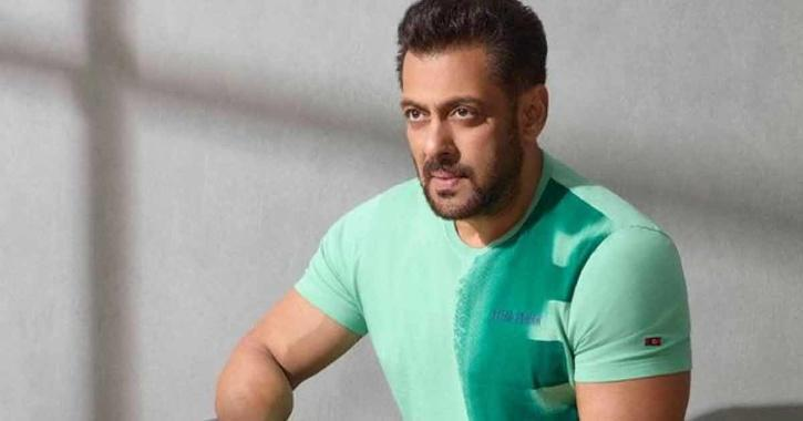 Salman Khan Completes 33 Years, His Debut Director Had Said He Will Leave The Industry If He Will Become A Star