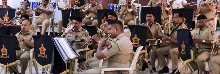 Mumbai Police's band wows all with James Bond theme performance