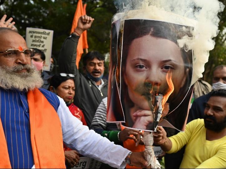 people burnt the effigies of Greta Thunberg.
