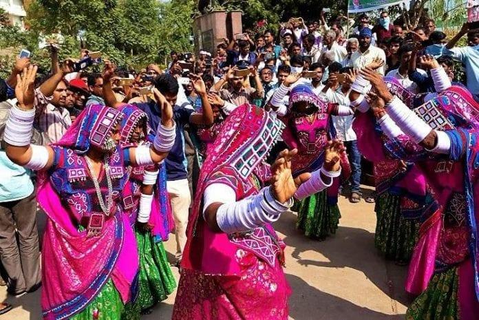 tribals dance representative image