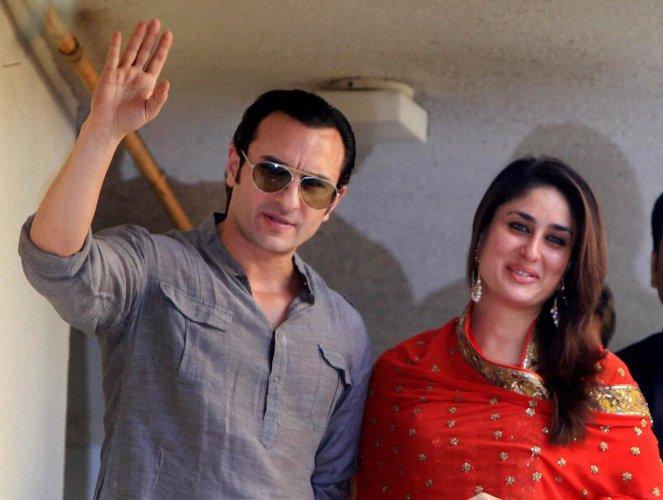 Kareena Kapoor Khan and Saif Ali Khan wave to paparazzi after their nuptials / BCCL