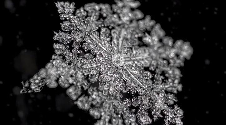 how to take snowflake photo