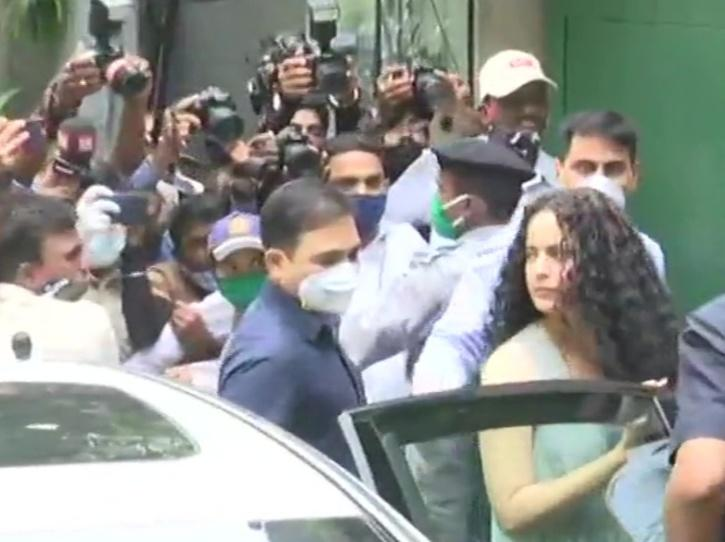Kangana Ranaut without mask at her office.