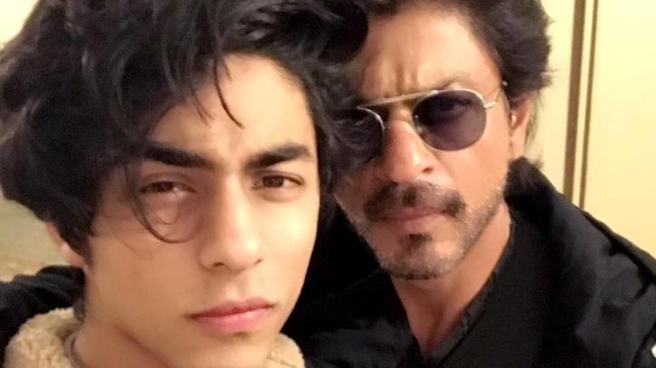 Shah Rukh Khan with Aryan Khan / Instagram