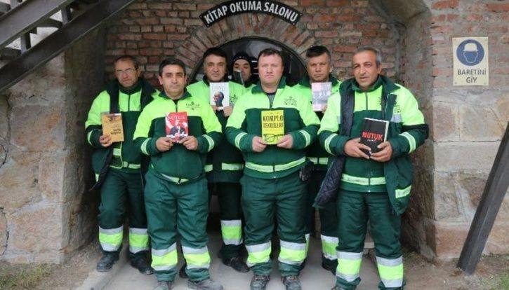 Garbage Collectors In Turkey Build A Library Out Of Abandoned Books