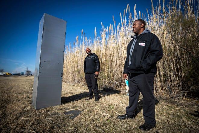 Monolith in Texas/AP