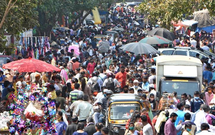 mumbai-crowd