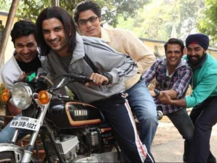 sandeep nahar with sushant singh rajput during MS Dhoni shoot