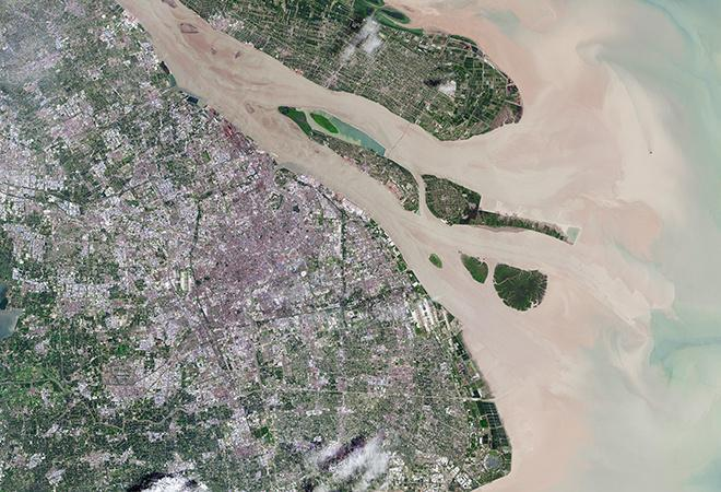 Urban expansion in Shanghai, China (April 23, 1984 - July 20, 2016)