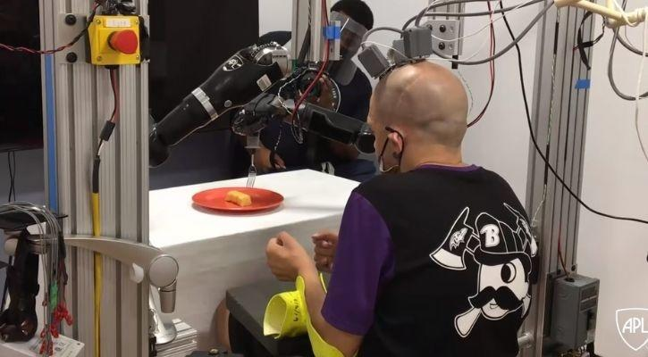 paralysed man food