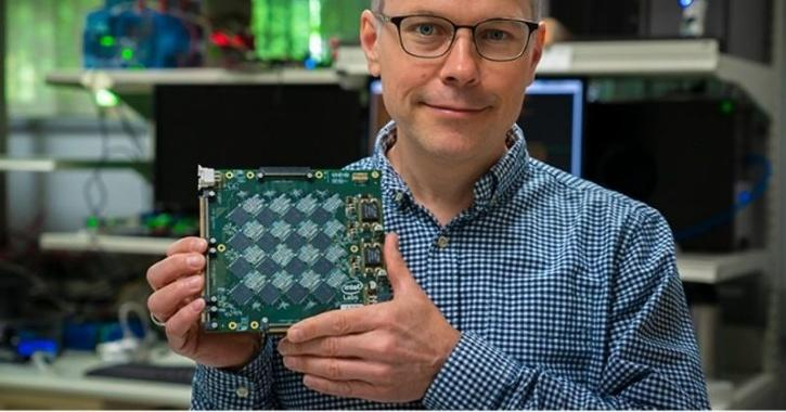 Richard Uhlig of Intel Labs