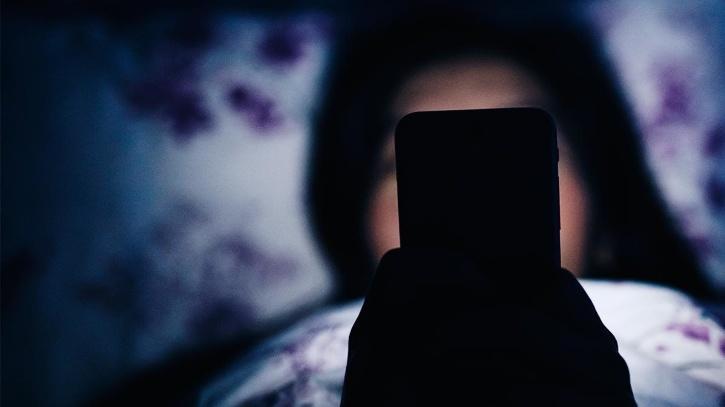 Woman falls online freebie scam