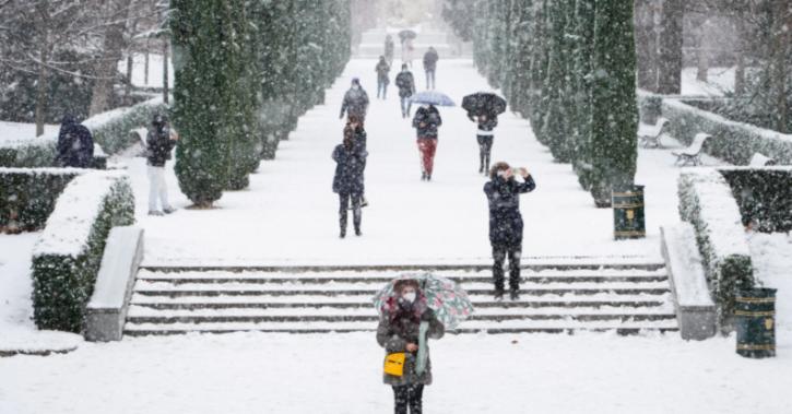 Madrid Sees Heaviest Snowfall In 50 Years Bringing Normal Life To Standstill