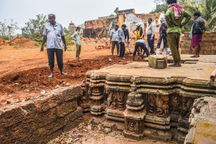 Suka And Sari Temple