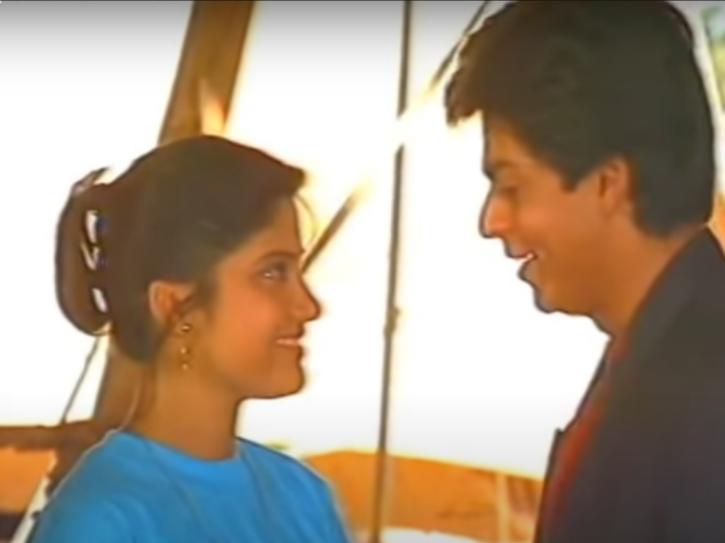 Renuka Shahane and Shah Rukh Khan in Circus.