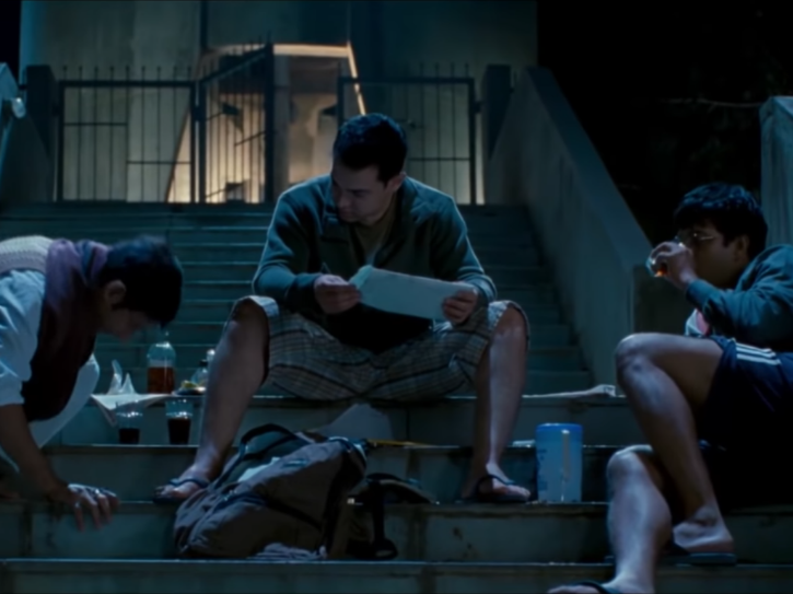 Aamir Khan, Sharman Joshi and R Madhavan actually got drunk for this scene in 3 Idiots.