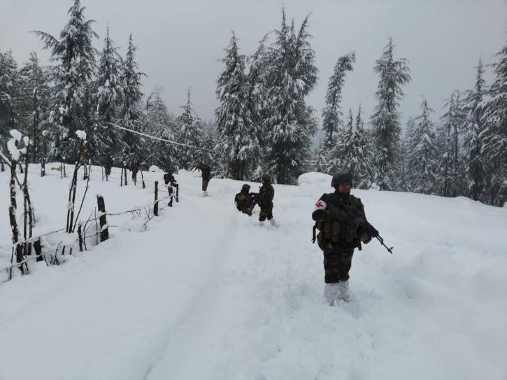 army-in-snow-5ff6bd3a5c224
