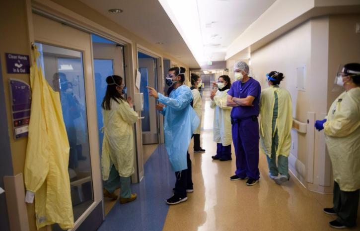 hospital-staff-60014d837d883