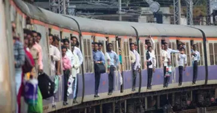 mumbai-train-60002dac25dc3