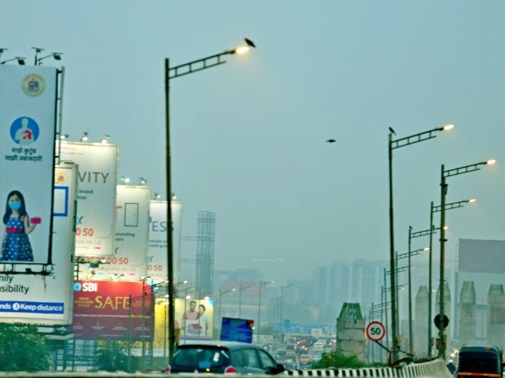 Smog covers Mumbai.